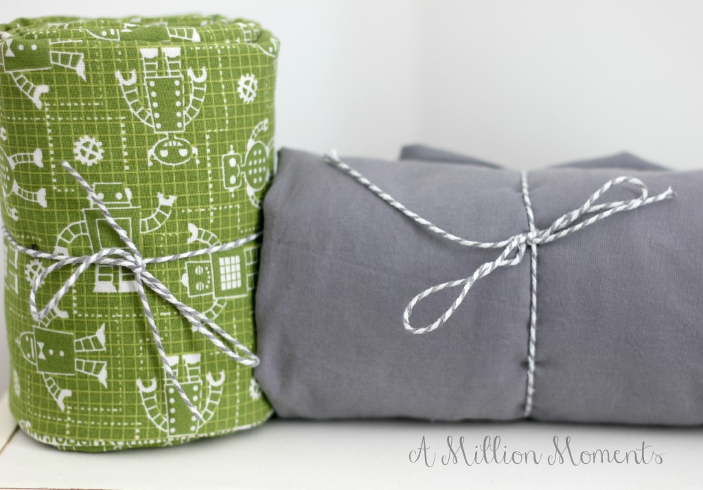 green robot sheet set