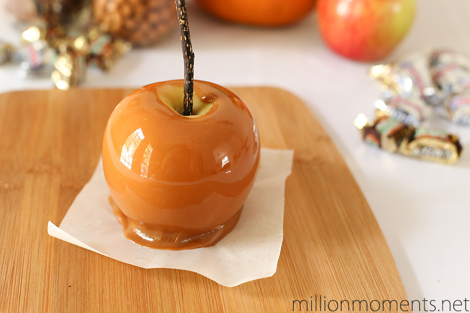 Caramel apple Halloween recipe #shop