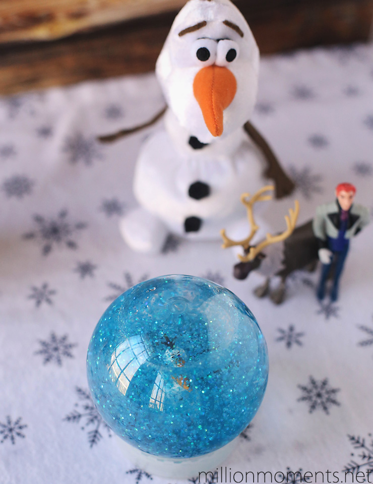 Easy DIY FROZEN inspired snow globe #shop