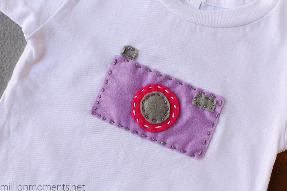 Easy felt camera applique - no sewing machine needed!