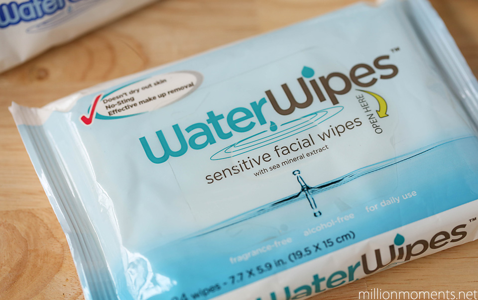 Water wipes for sensitive faces
