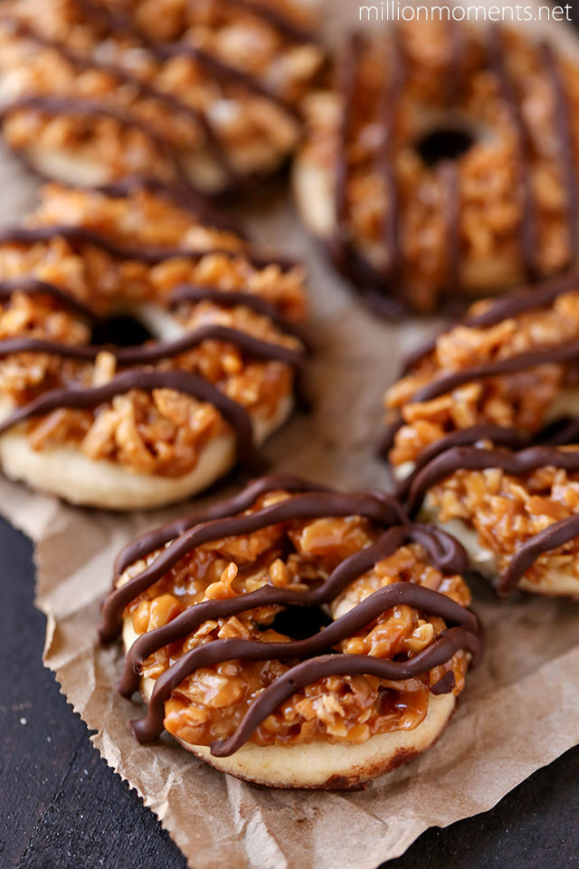 Easy Homemade Samoas {Girl Scout Cookie Recipe}