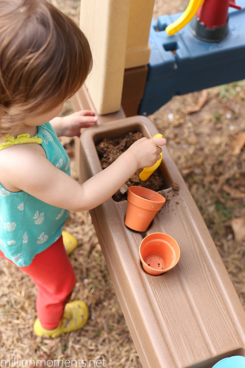 Step2 Great Outdoors Playhouse Planting Station