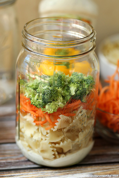 Easy veggie pasta recipe for busy moms! #shop