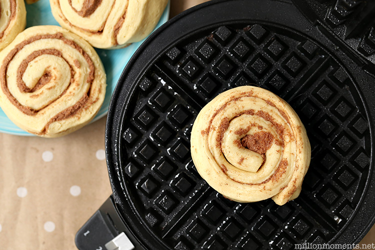 Easy 5 minute cinnamon roll waffle dessert recipe. #shop