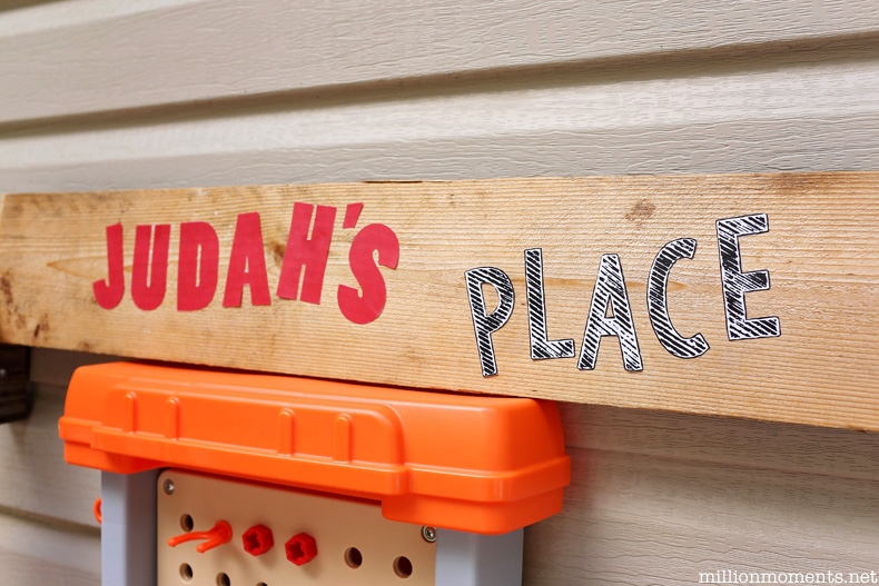 Fun personalized sign for play area DIY tutorial