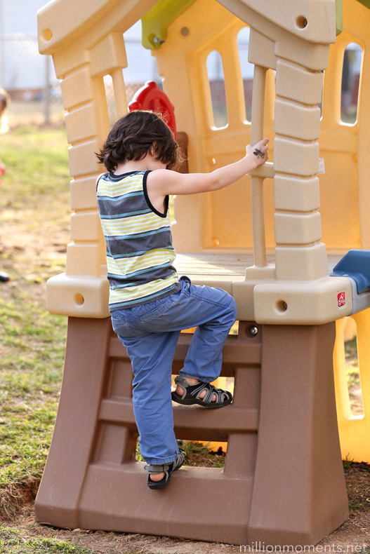 Outdoor Play And Choosing A Swing Set Win A Step2 Play Up
