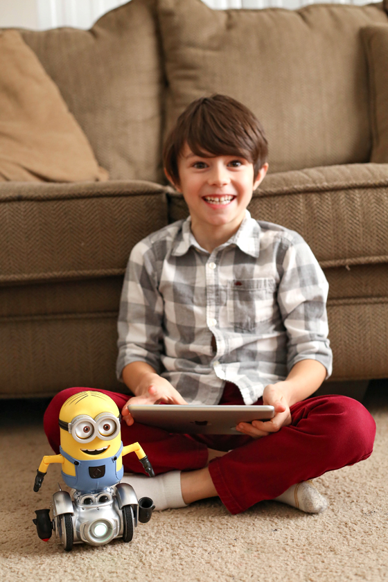 Gifting Robotics: Fun With Minion MiP